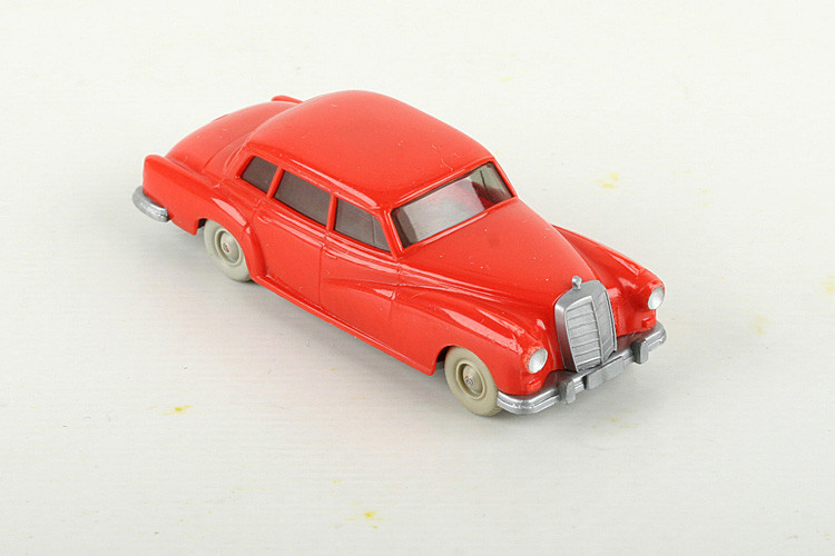 Wiking Vorserie Mercedes 300 orangerot - ZUSCHLAG Auktionshaus Wrede 950,– Euro