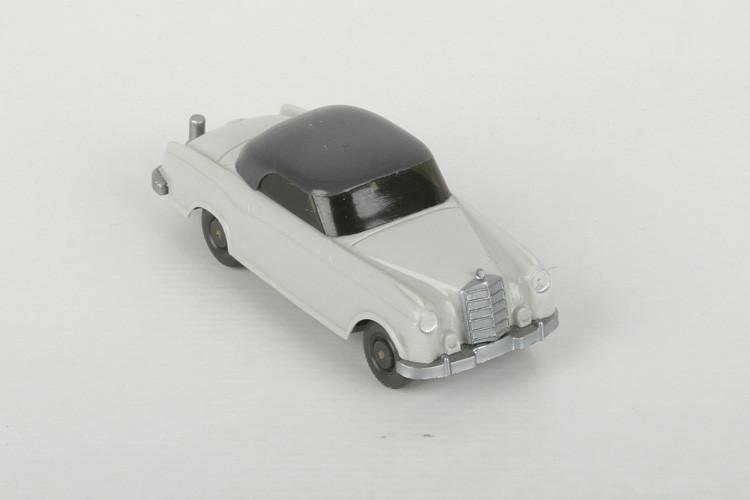 Wiking Mercedes 220 Coupé achatgrau - ZUSCHLAG Auktionshaus Wrede 750,– Euro
