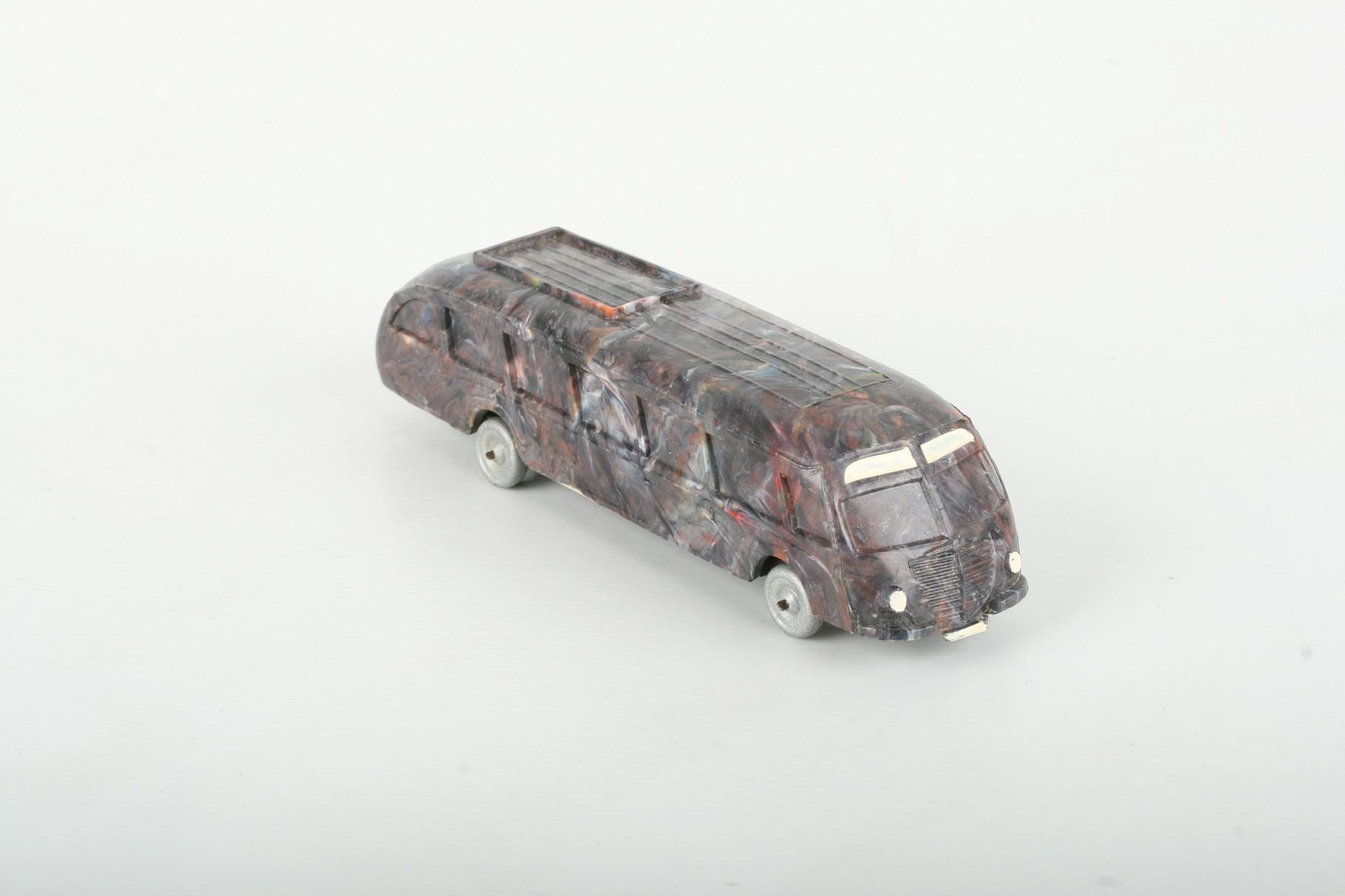 Wiking Stromlinienbus mischbunt (silberne Räder) - ZUSCHLAG Auktionshaus Wrede 1.700,– Euro