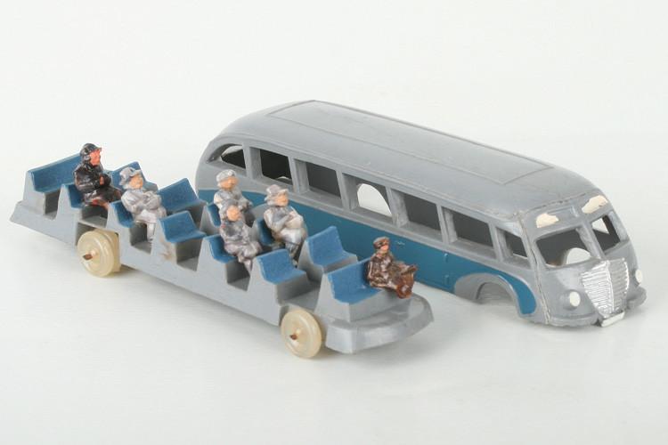 Wiking Stromlinienbus durchbrochene Fenster mit Figuren - ZUSCHLAG Auktionshaus Wrede 4.400,– Euro