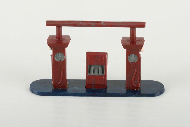Wiking Tankstelle mit Verbindungsleiste mischviolett (ohne Wulst) - ZUSCHLAG Auktionshaus Wrede 615,– Euro
