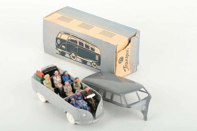 Wiking 1:40 VW Bus mit Heckklappe basaltgrau/h'graubeige - ZUSCHLAG Auktionshaus Wrede 1.300,– Euro