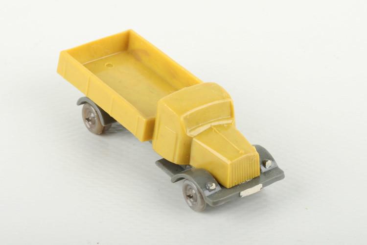 Wiking Mercedes Diesel gelb/zementgrau - ZUSCHLAG Auktionshaus Wrede 450,– Euro