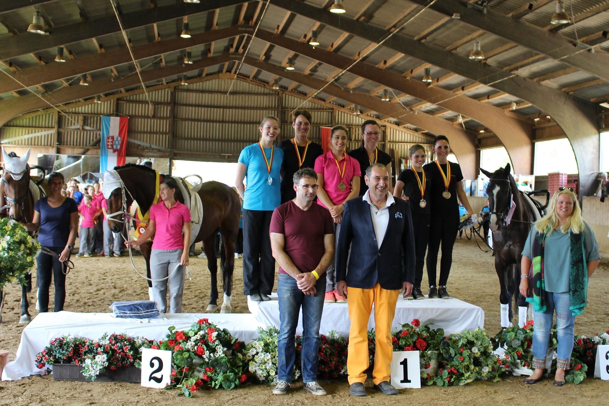 Schwäbische Meisterin Junior-Einzel: 1. Sema Hornberg, 2. Pia Loritz, 3. Zoé Spreng