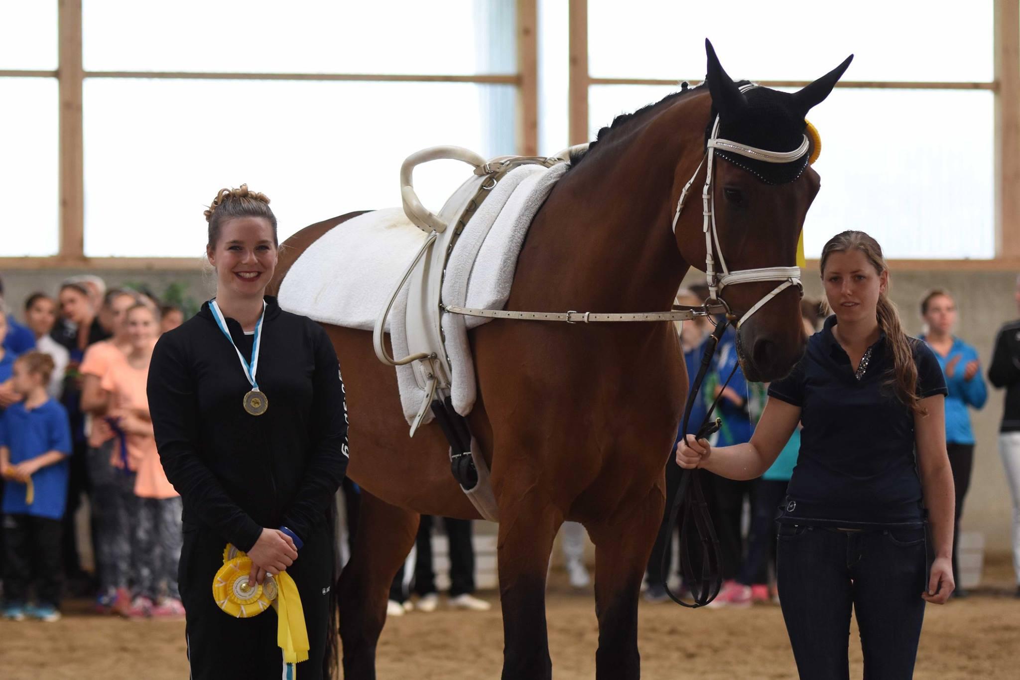 Ebenso überlegen gewann Regina Burgmayr im Senior-Einzel