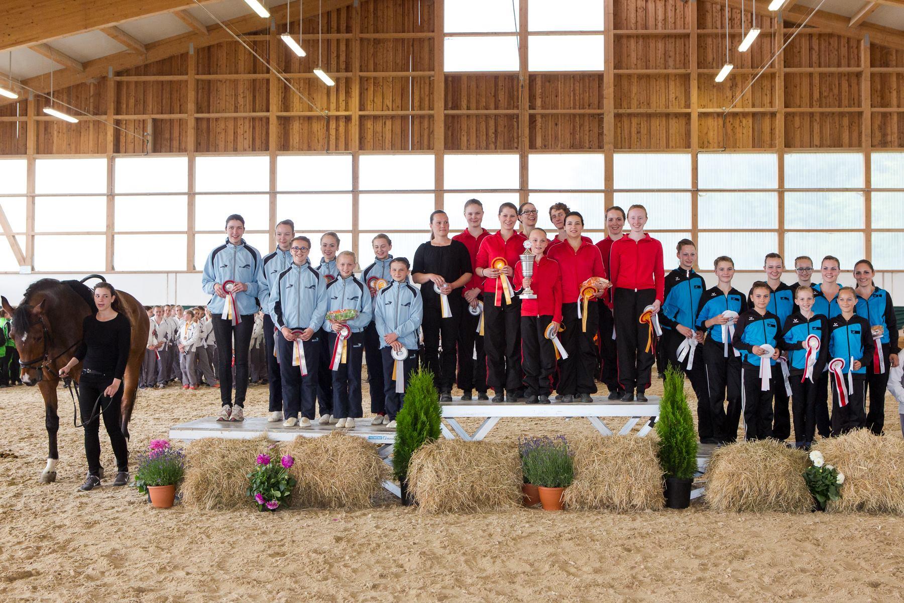 L-Cup-Sieger wurde der VRV Memmingen III, vor Mauerbach und Roggenburg.