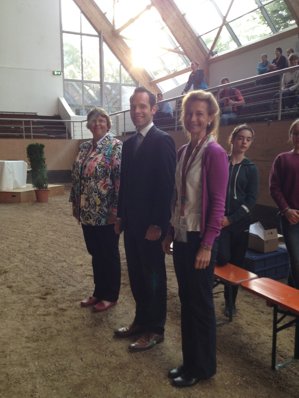 Konnten auch nach zehn Stunden noch strahlen  - das Richterteam mit Evelyn Wasmer, Dennis Ahrens und Ute Ganzer