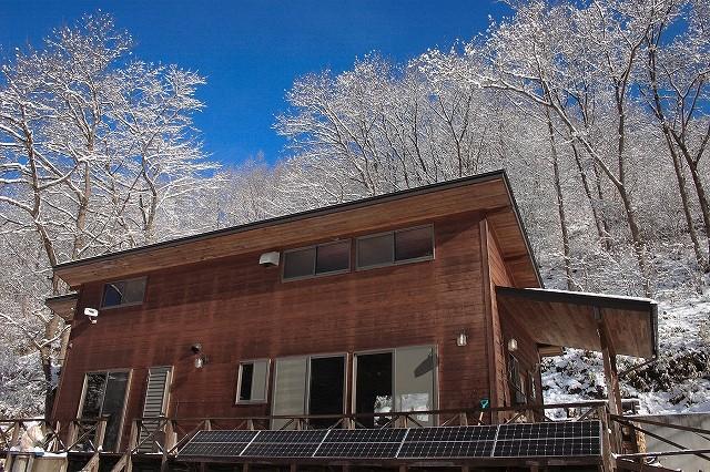 武藤さんのお話の資料より、自然に囲まれた武藤さんのお宅