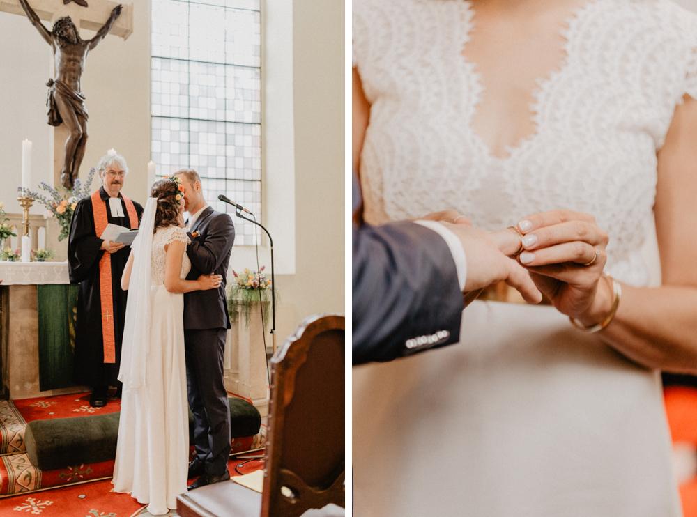 Bild: Ringe Trauung Hochzeit Hochzeitsreportage Hochzeitsfotos Hochzeitsfotograf Kirche Templin