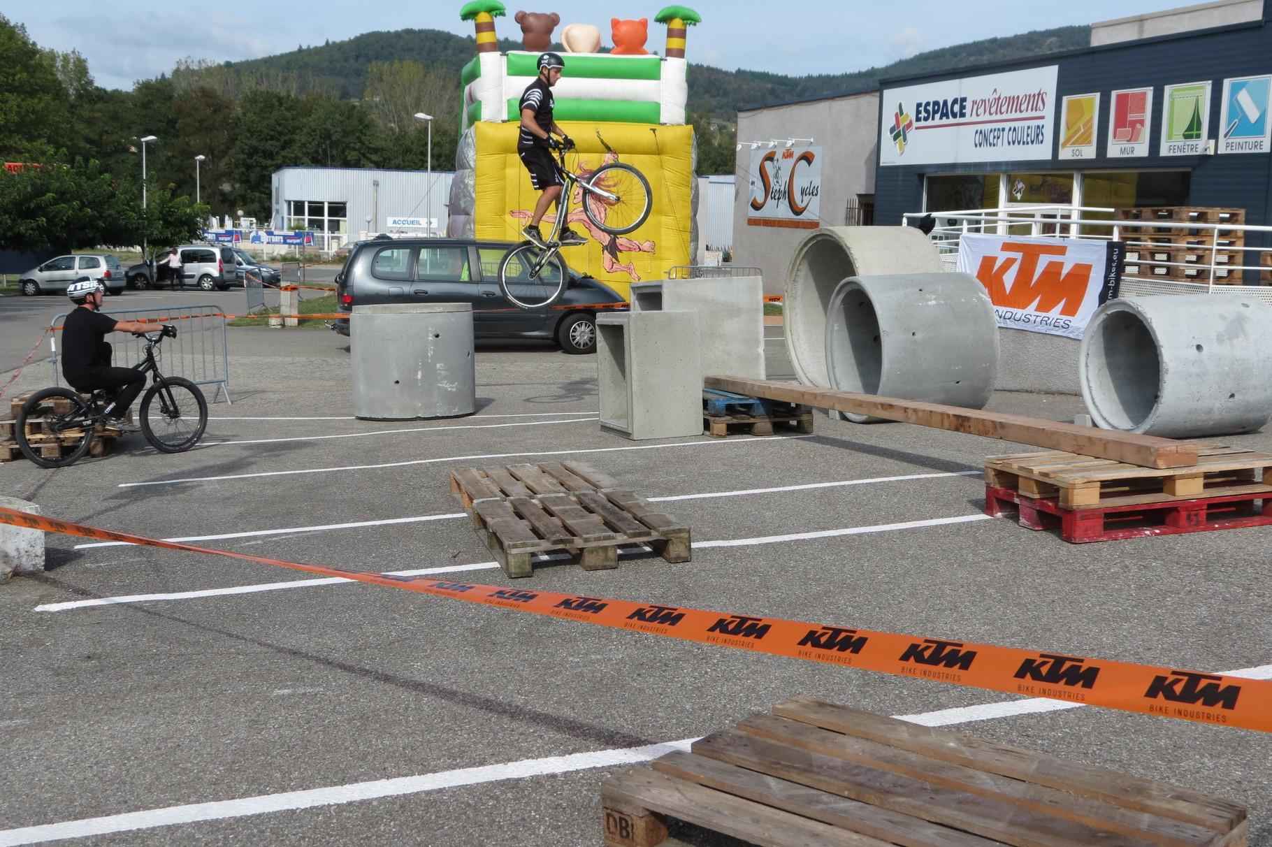 SEPTEMBRE journée porte ouverte et démo vélo trial