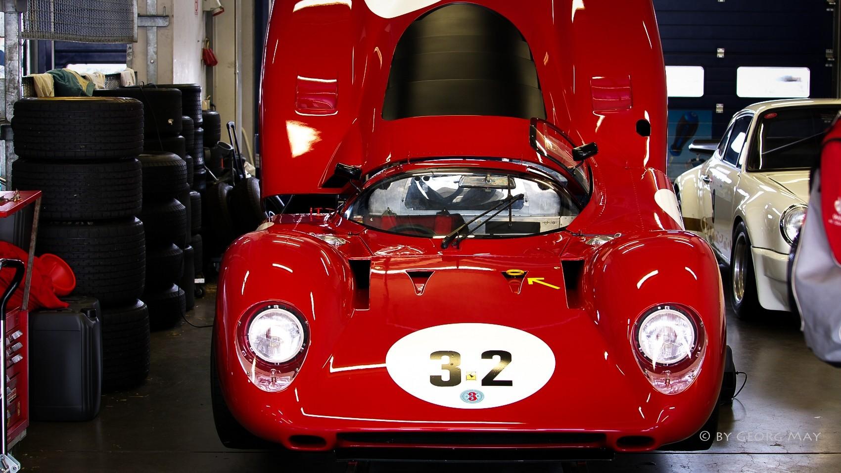 Ferrari in der Box
