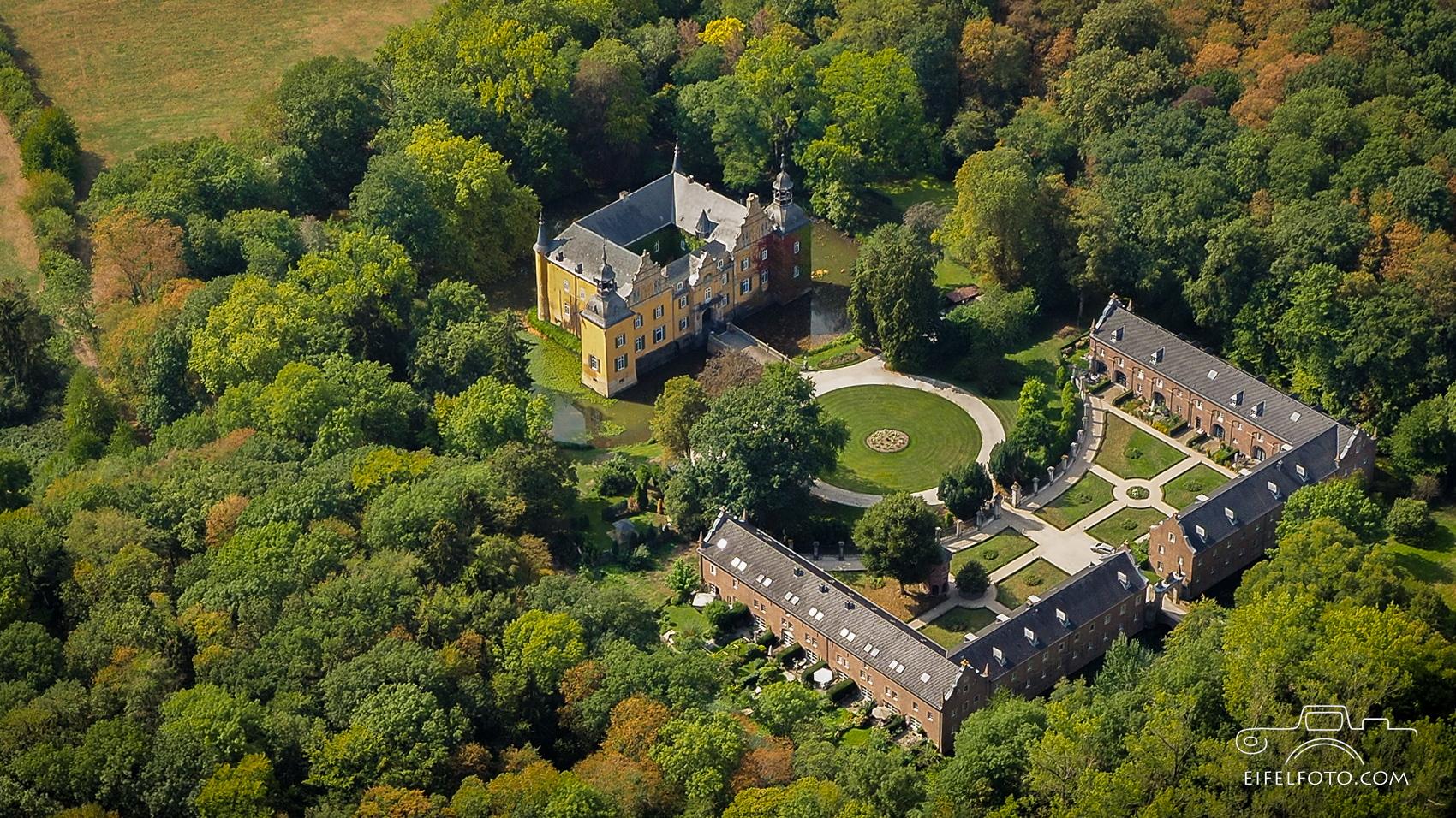 Wasserschloss Frens - versteckt im Bergheimer Forst