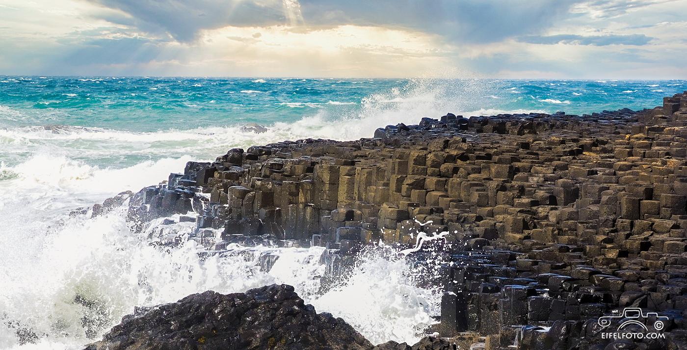 Giant's Causeway - die Wellenbrecher an der stürmischen Nordküste Irlands