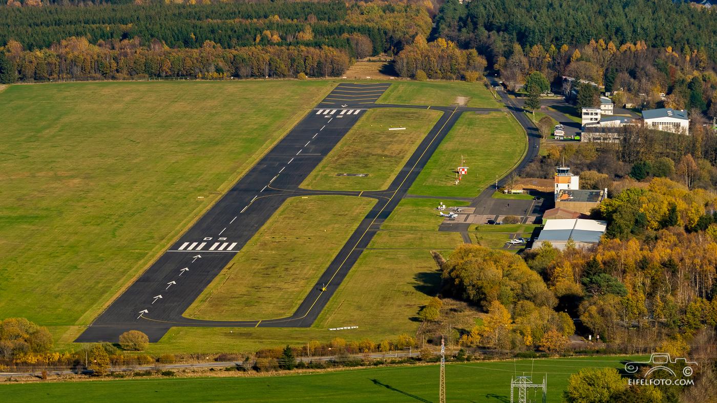 Luftbild: Heimatflugplatz Dahlemer Binz
