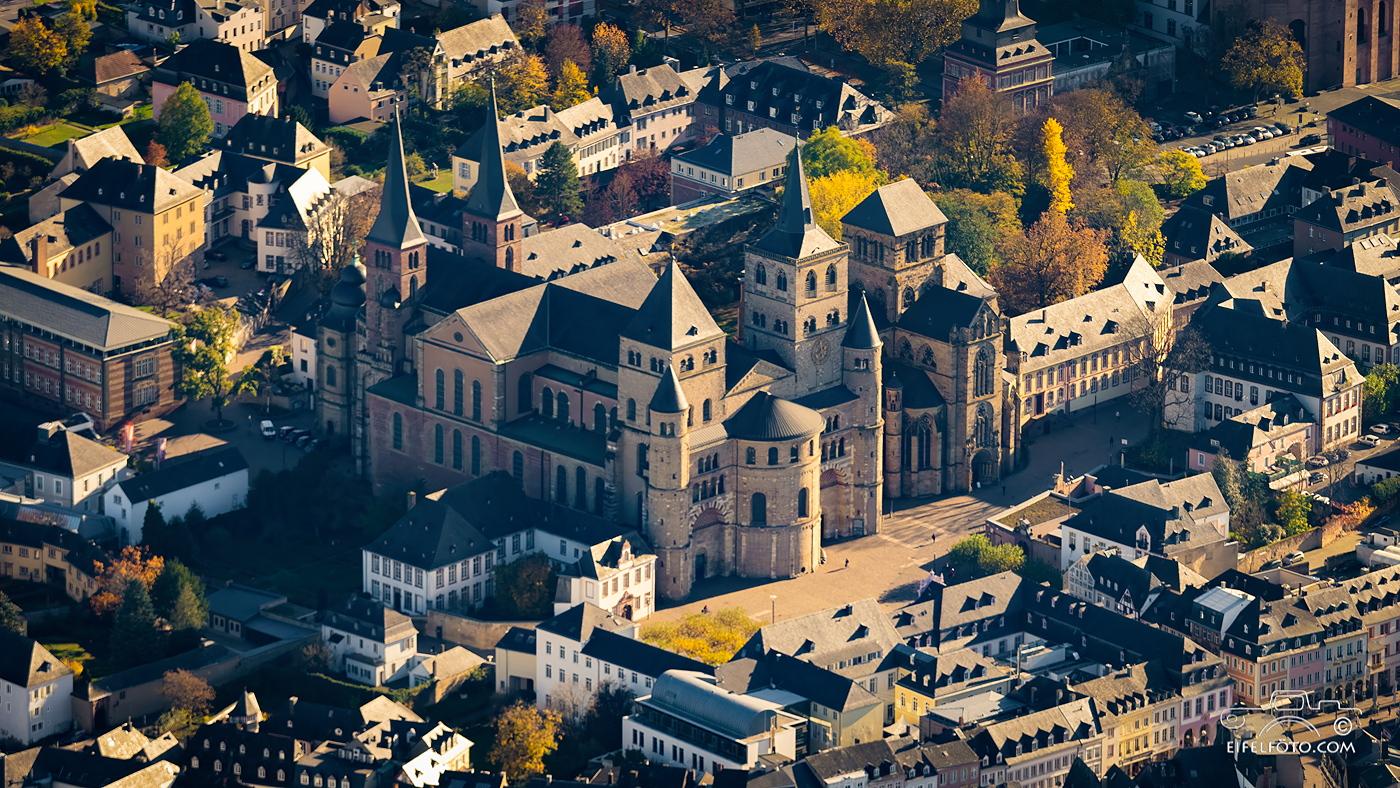 Luftbild: Der Dom zu Trier
