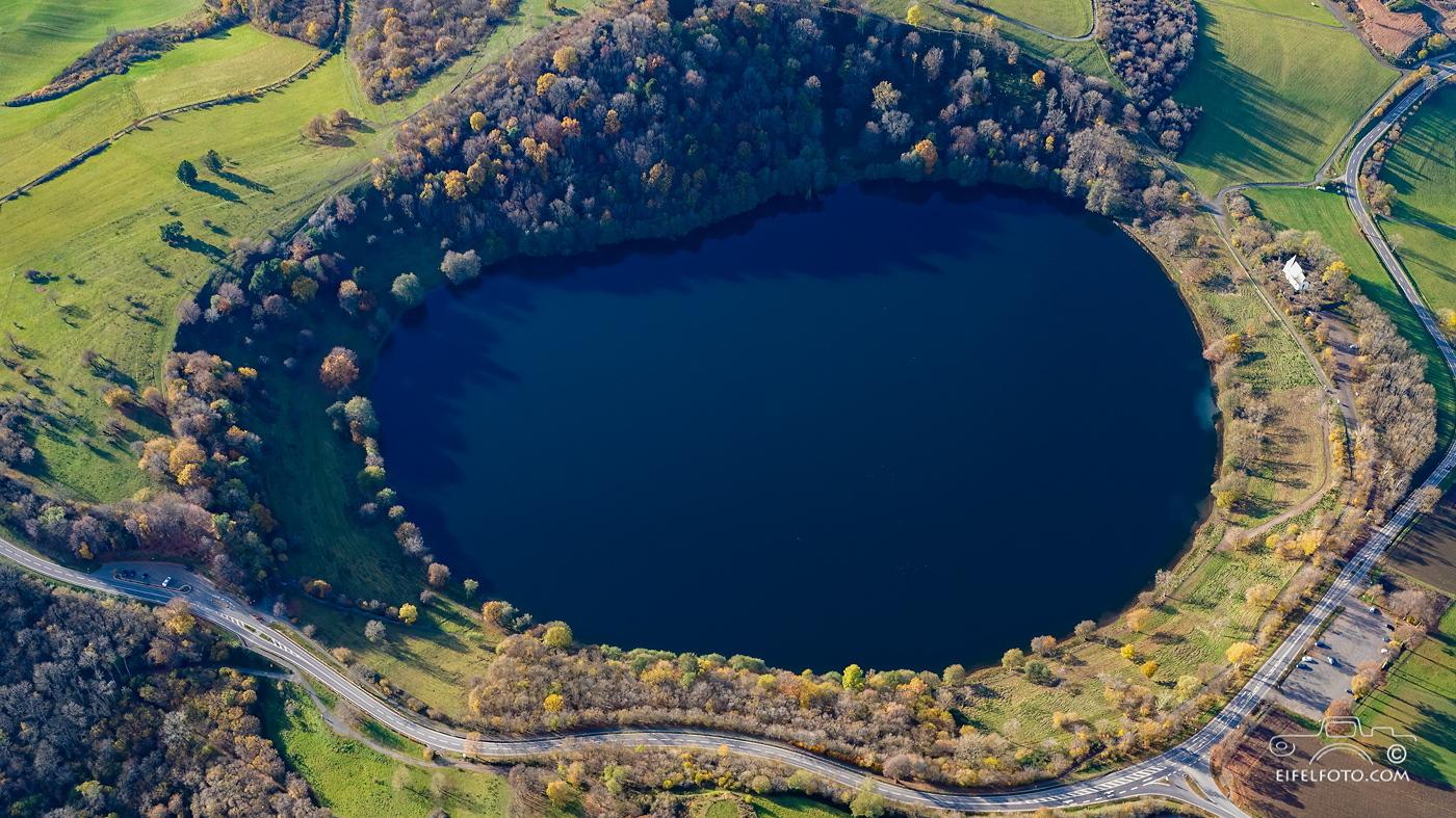 Luftbild: Weinfelder Maar (Totenmaar)