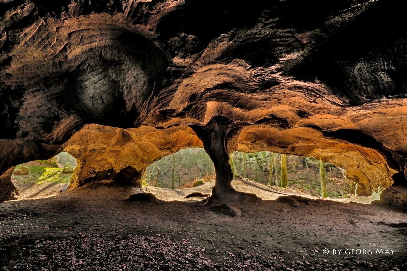 Die Säulen der Erde - Höhlenwelt in der luxemburgischen Schweiz