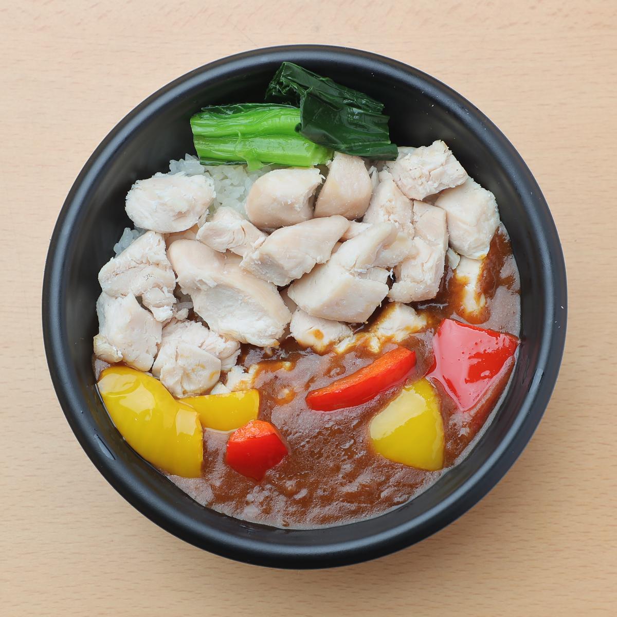 サラダチキンを⾷べるカレー丼(ささみ) 780円