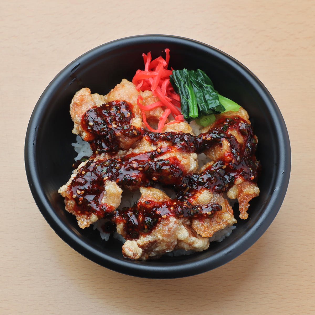 唐揚げ丼(⾟味噌ソース) 580円