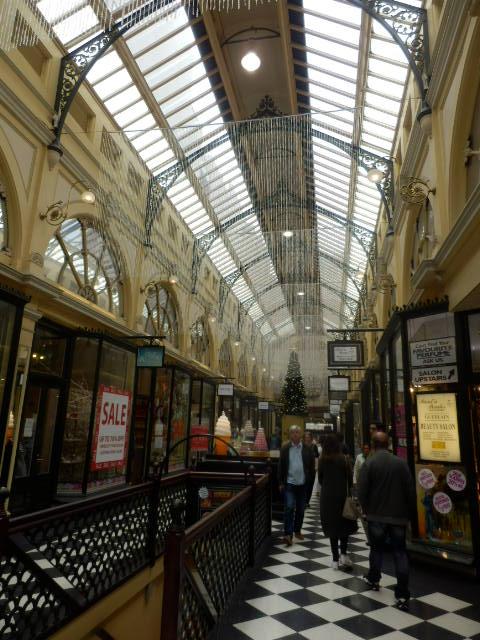 イングランドの天井と床