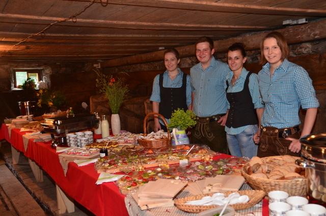 Eröffnung der Klostertalwoche - Buffet der Klostertaler Bauerntafel