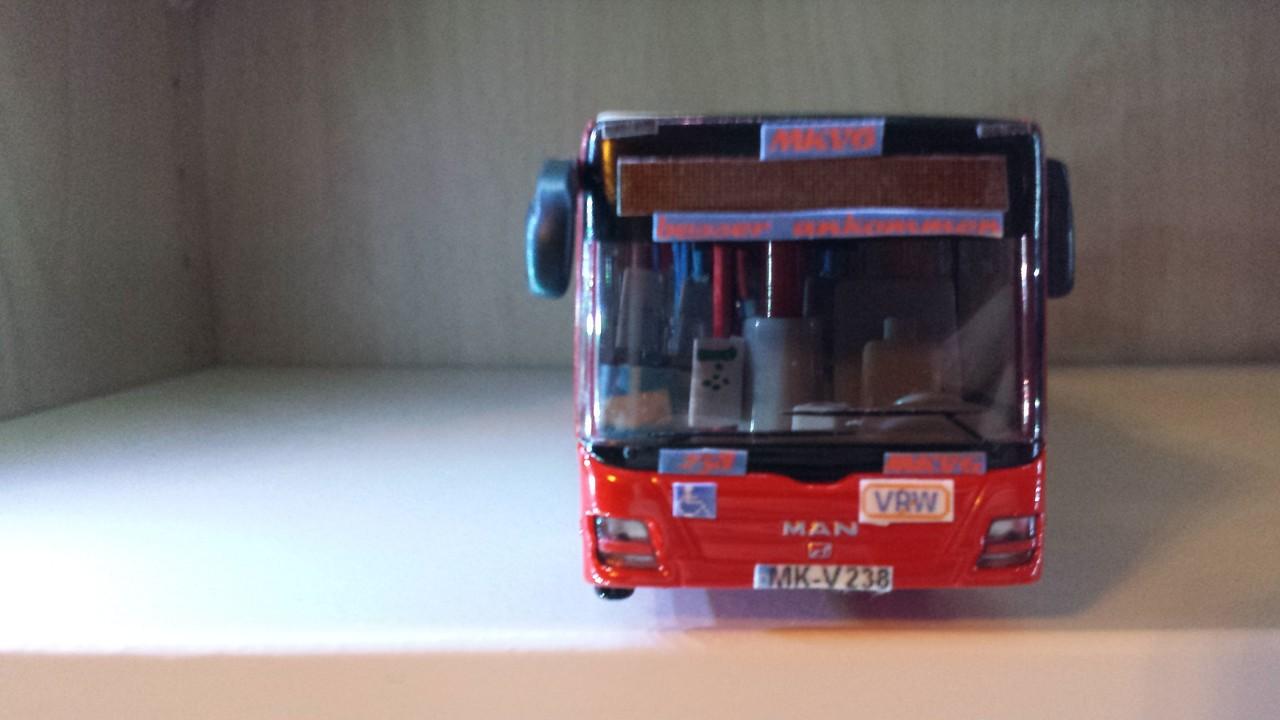 Die Front, von Wagen 238, mit neuer Werbung
