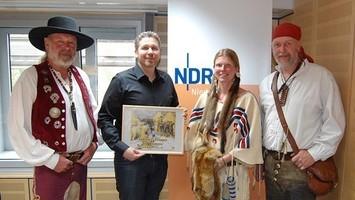 Jochen, Wibke und Ius stellen in der NDR Plattenkiste den Verein vor