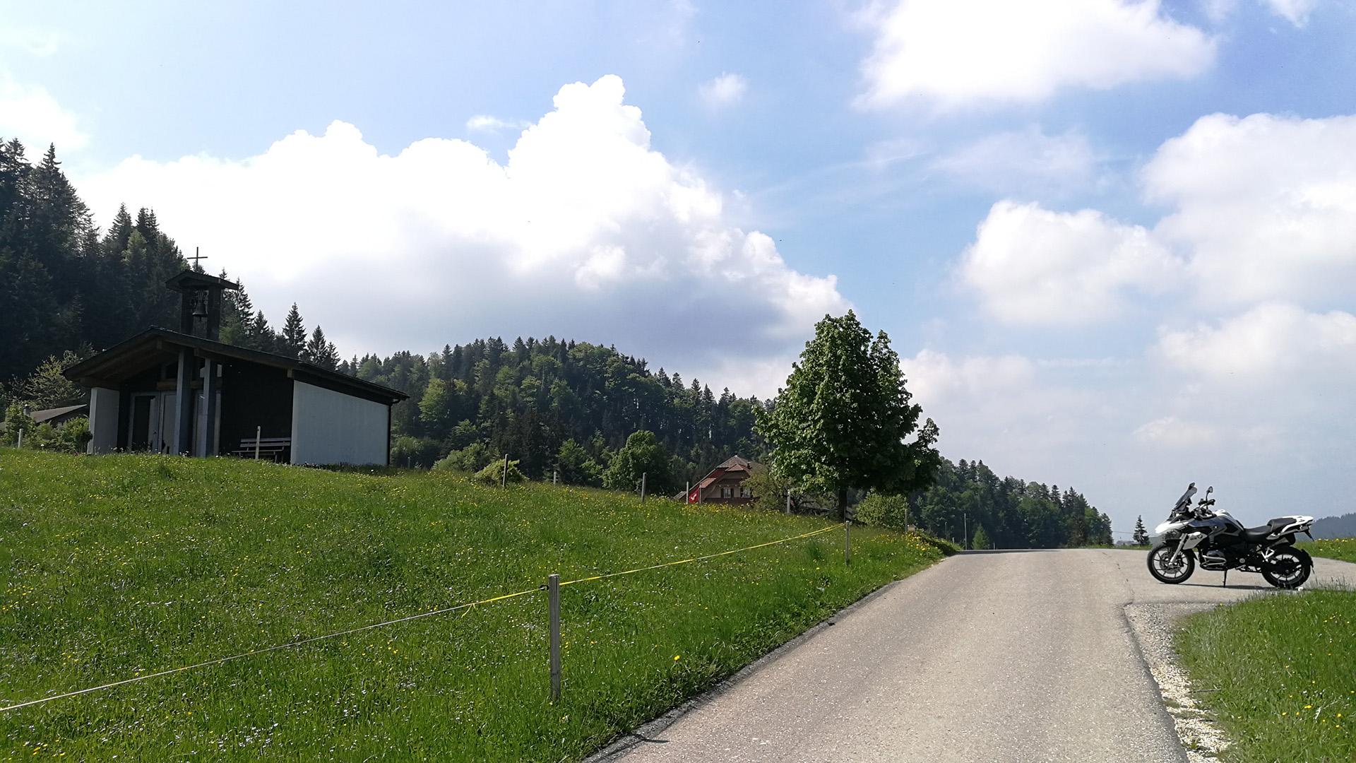 1083 - CH - Holzwegen