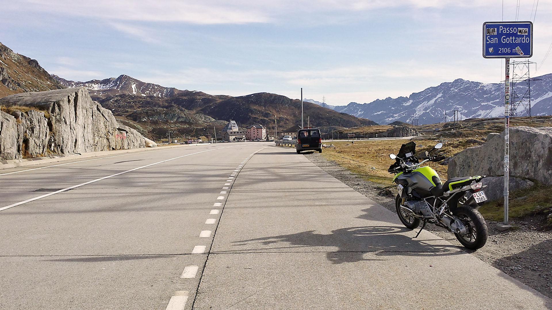 2106 - CH - Gotthard-Pass (Passo del San Gottardo) © Pässe.Info