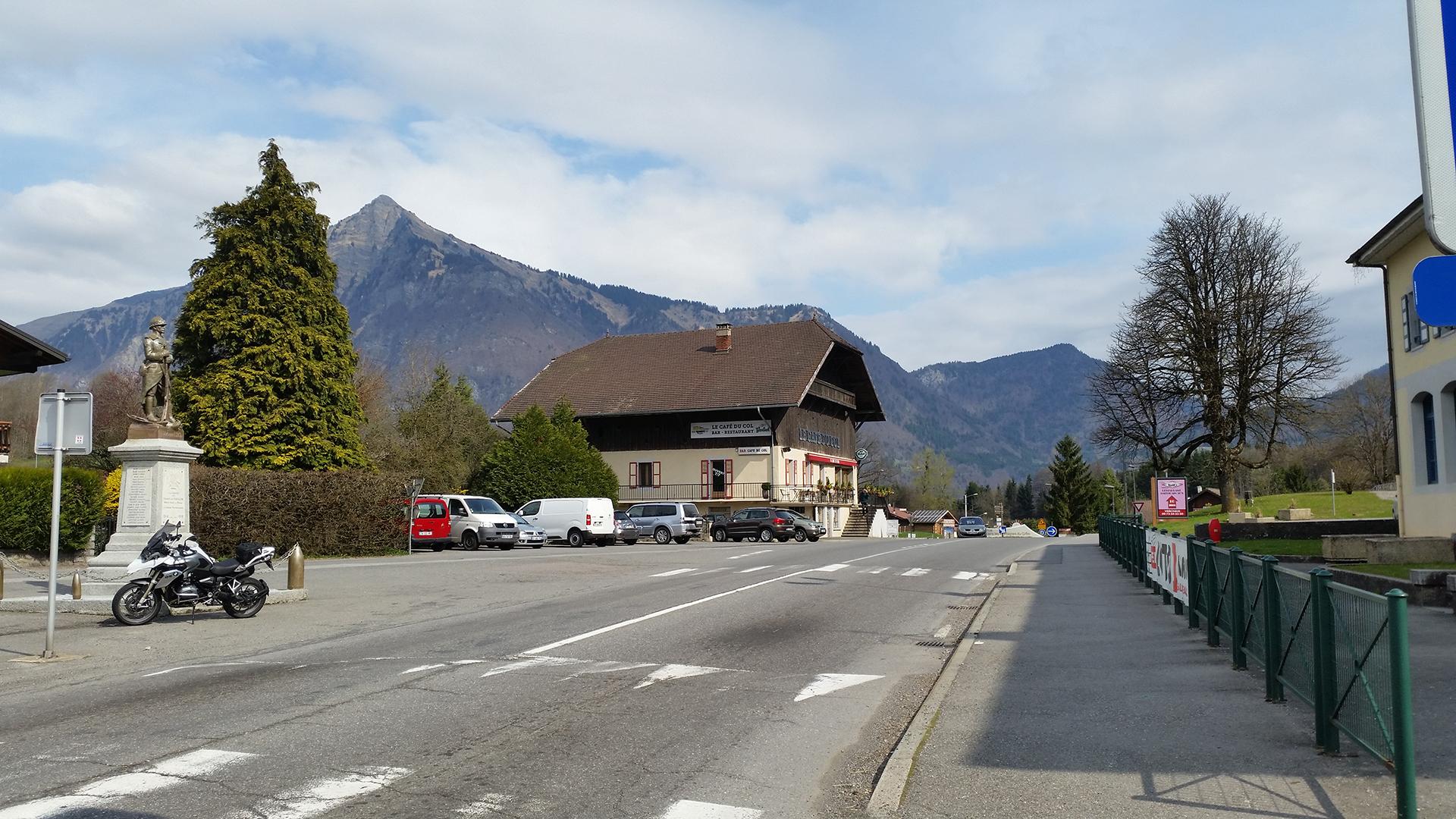 0742 - F - Col du Châtillon-sur-Cluses