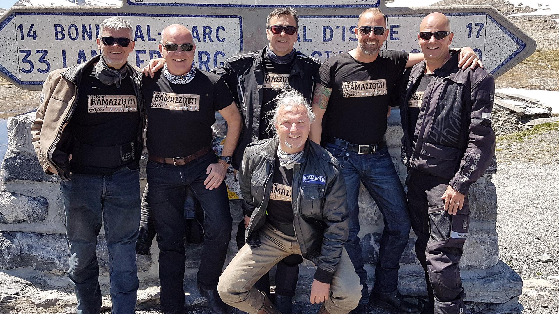Motorradclubs und -vereine auf Pässe.Info