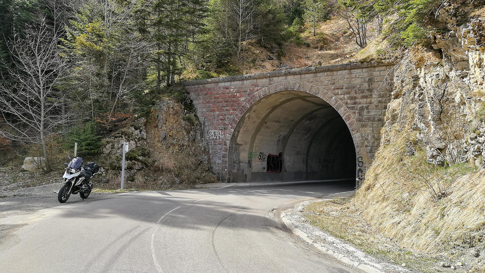1402 - F - Col de Menée