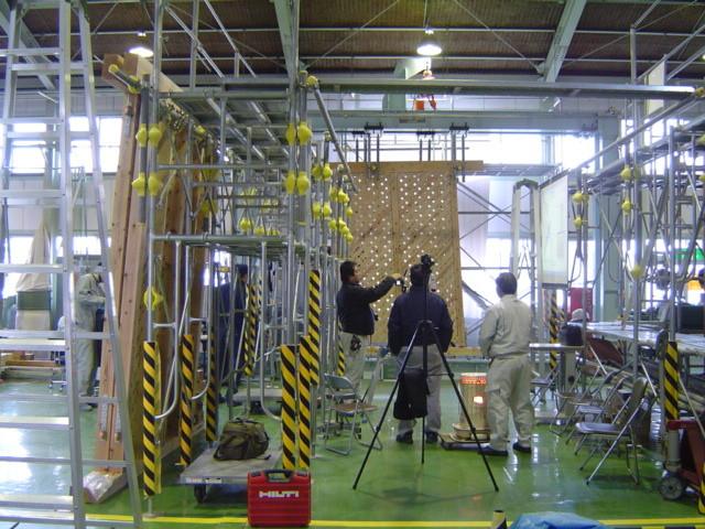久万高原耐力壁ラティスパネル開発  (久万材の家づくり推進協議会)