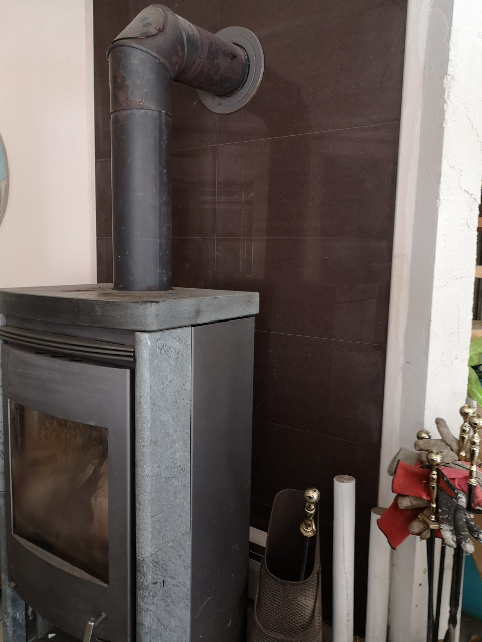 Ein Kamin gehört natürlich in jedes Haus.