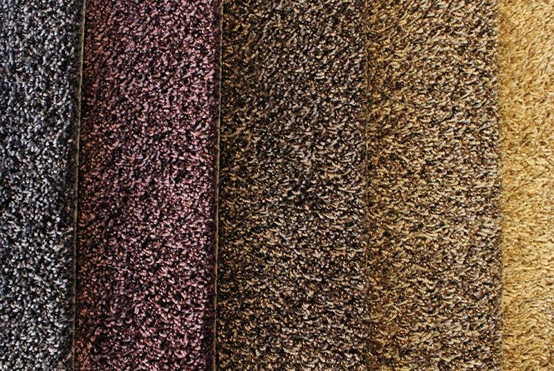 Hoog-polig tapijt.