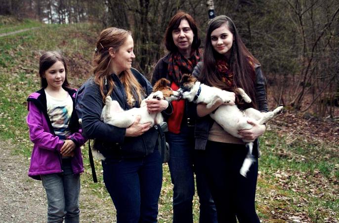mit Bella und ihren Frauchen