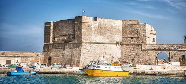 MONOPOLI : best places to visit in Italy