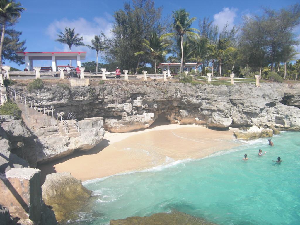 タガビーチ