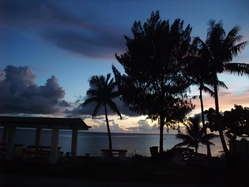 タガビーチ夕景2