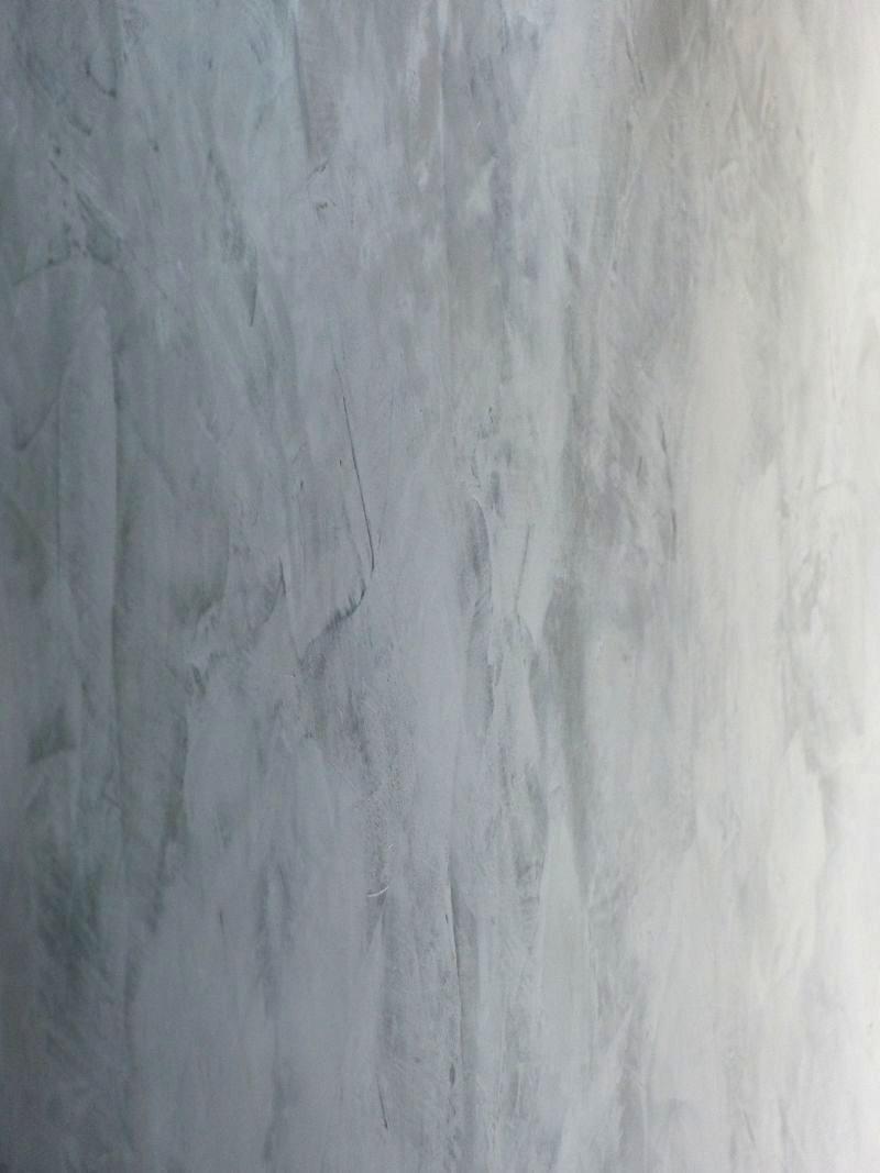 Zoom sur stuc chaux gris tourterelle