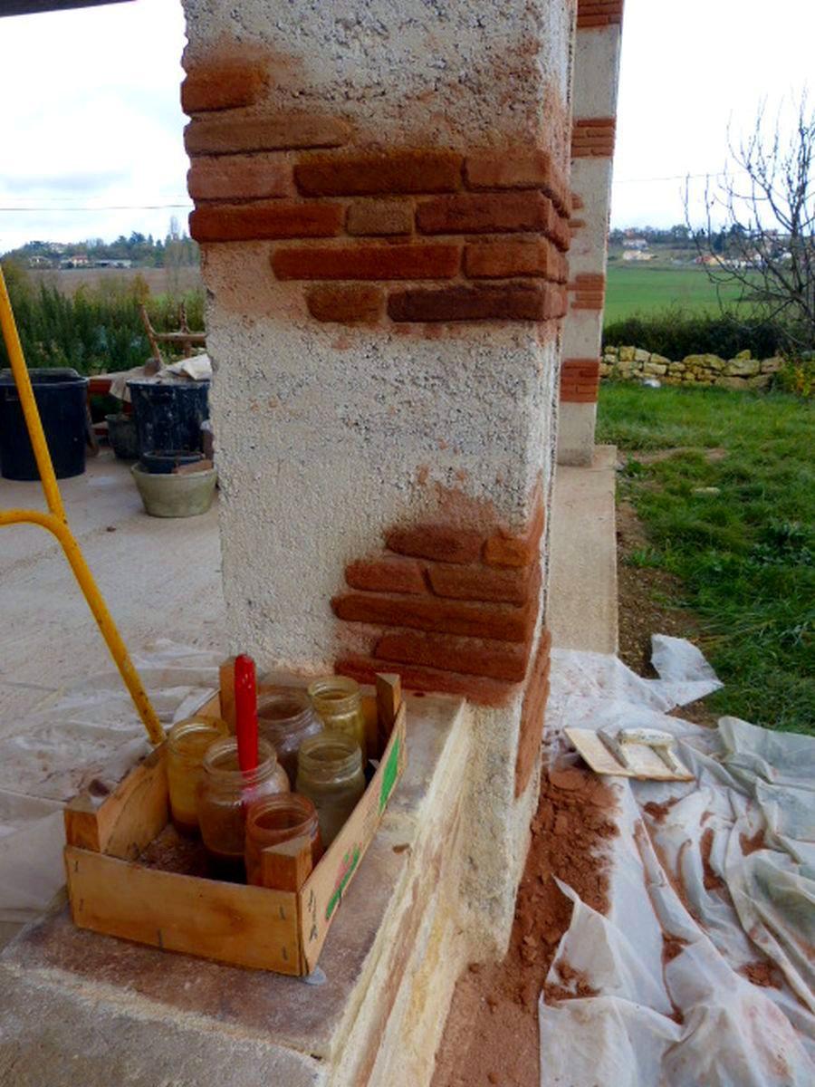 Patines sur fausses briques
