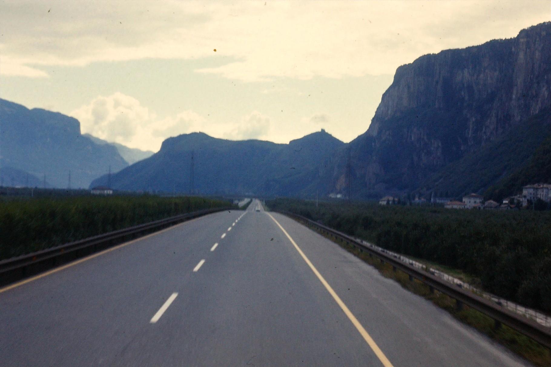 In den 70ern war die Brennerautobahn noch leer. Damals gab es keine Billigheimer aus dem Osten.