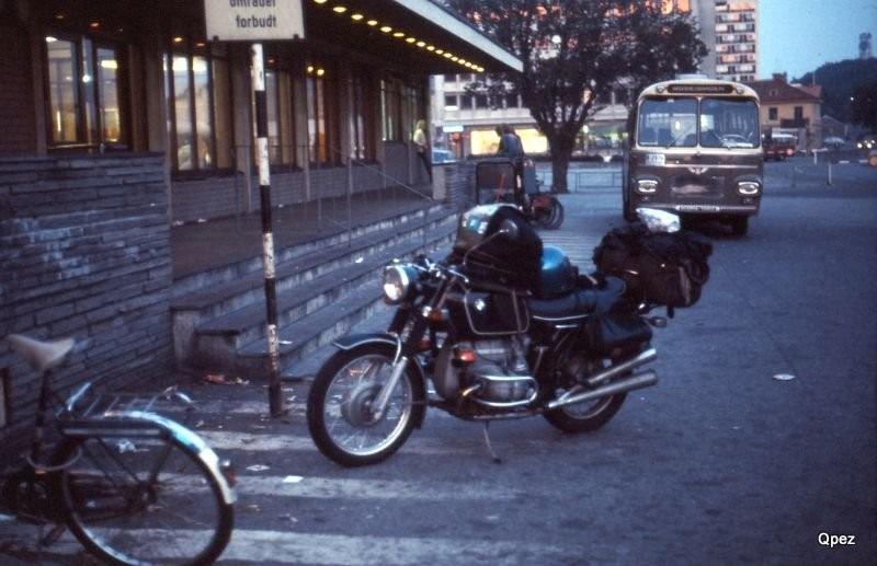 BMW in Kristiansand Norwegen Unterwegs mit HP Gerber als Sozius