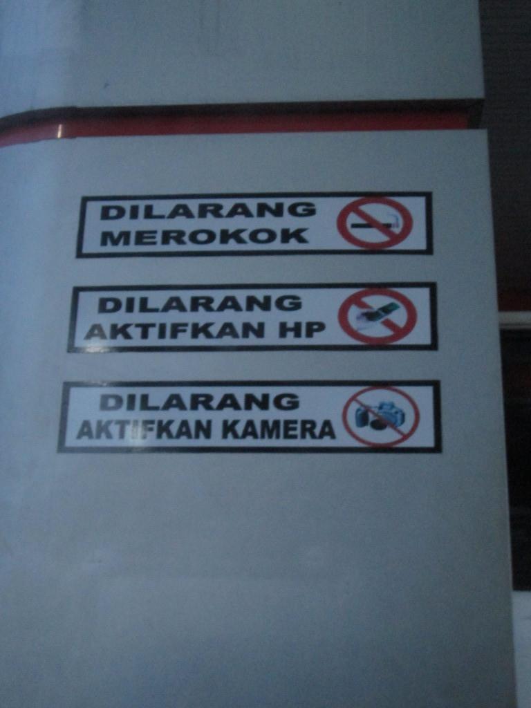 prohibiciones en una gasolinera