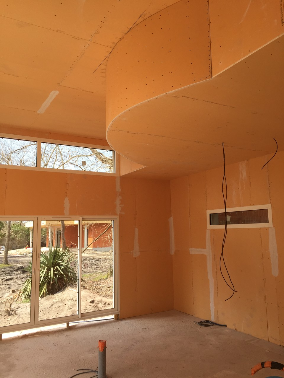 Dubosc plâtrerie faux plafond cintré , contre cloison Arès