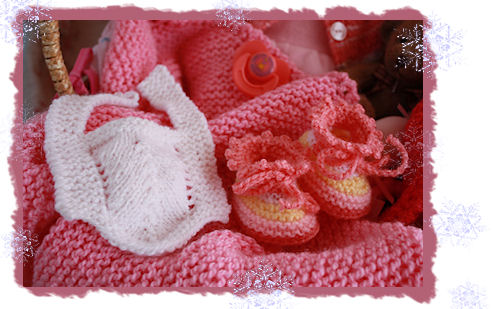 Gestrickte Puppenkleider für kleine und grosse Püppchen
