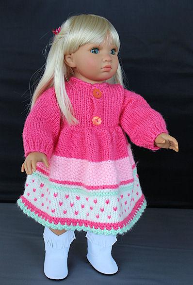 Gestricktes Puppenkleid für ein grosse Stehpuppe