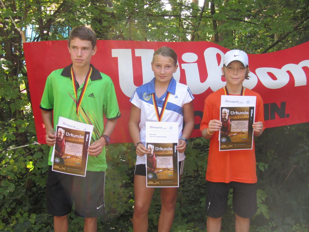 Jonas Schoof U 14, Celina Kortüm U 12, Maximilian Braag U 12