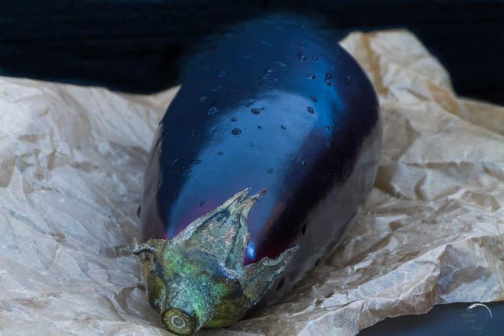 Gegrillte-Aubergine-mit-Tomaten-und-Mozzarella
