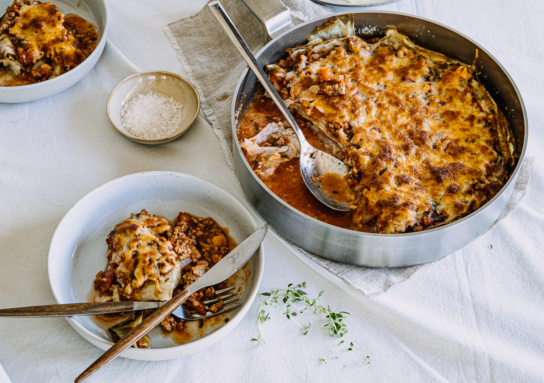 Spitzkohl-Lasagne mit Hackfleisch, Tomaten & Mozzarella - Low Carb
